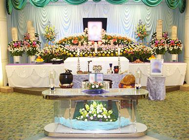 故人の為だけに用意したお花の祭壇